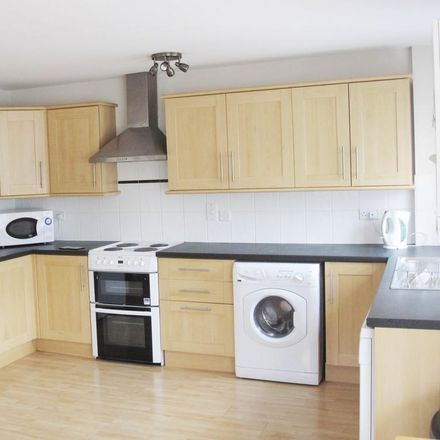 Rent this 3 bed apartment on Fallowfield Loop in Manchester M14 6PU, United Kingdom
