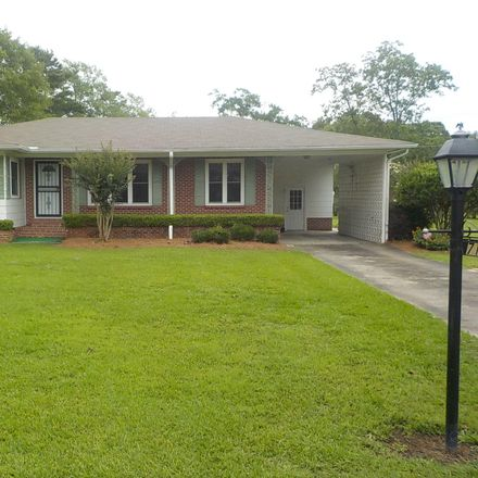 Rent this 3 bed house on 715 North 31st Avenue in Hattiesburg, MS 39401