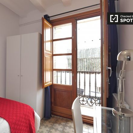 Rent this 5 bed apartment on La Rambla in 64, 80002 Barcelona