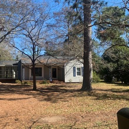 Rent this 3 bed house on 416 Forrest Drive in Fort Valley, GA 31030