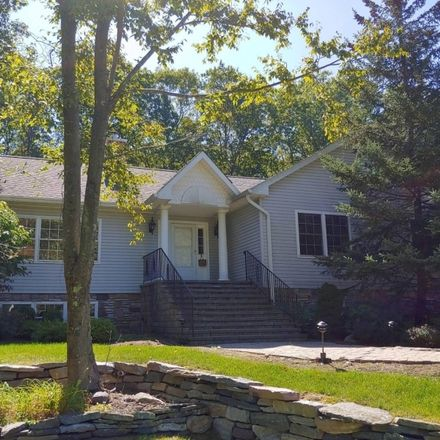 Rent this 3 bed house on 1082 Green Pond Road in Rockaway Township, NJ 07435