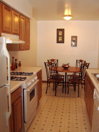 Rent this 2 bed apartment on 323 Laurel Avenue in Des Plaines, IL 60016
