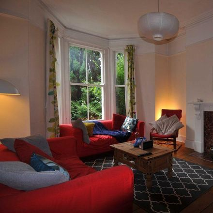 Rent this 5 bed room on Belgrave Lane in Plymouth PL4 7DB, United Kingdom