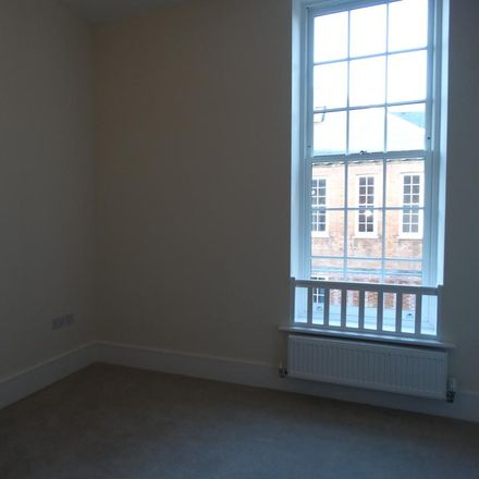Rent this 2 bed apartment on Graylingwell Drive in Chichester PO19 6EB, United Kingdom