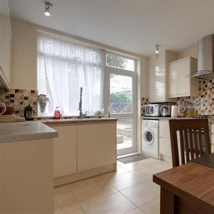 Rent this 3 bed house on Heath Road in London RM6 6LJ, United Kingdom