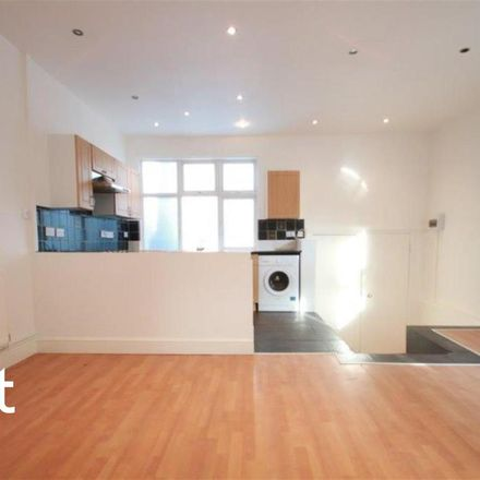 Rent this 2 bed apartment on The Money Shop in High Street, London SM1 1LB