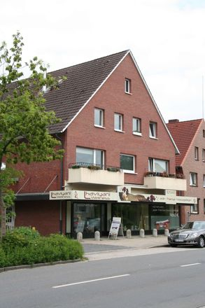 Rent this 3 bed apartment on Hamburg in Schnelsen, HAMBURG