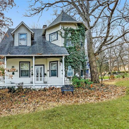Rent this 3 bed house on 28 Ponca Trail in Kirkwood, MO 63122