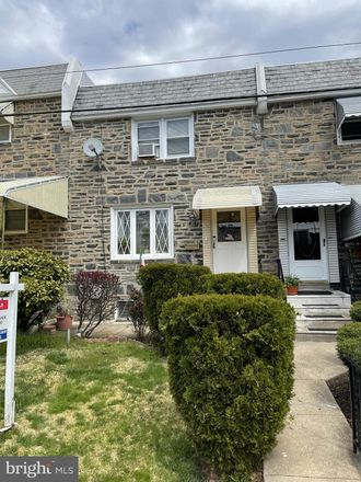 Rent this 3 bed townhouse on 95 Barbara Rd in Drexel Hill, PA