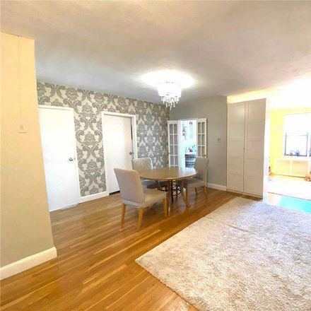 Rent this 1 bed condo on Pershing Cres in Jamaica, NY
