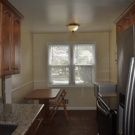 Rent this 3 bed townhouse on 16 Blue Ribbon Court in Gaithersburg, MD 20878