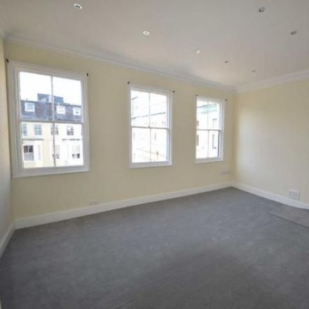 Rent this 3 bed apartment on Rendezvous Café in Northway, Scarborough YO11 1JH