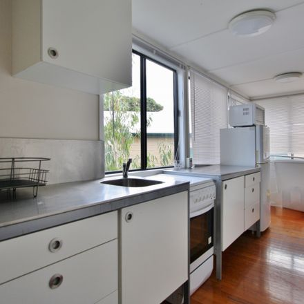 Rent this 2 bed apartment on 3B/12 Gladstone Road