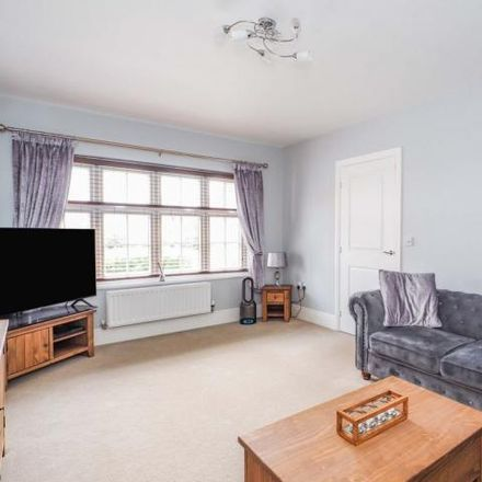 Rent this 4 bed house on Manor Gardens in New Crofton, WF4 1TD