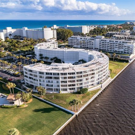 Rent this 2 bed condo on 2760 South Ocean Boulevard in Palm Beach, FL 33480