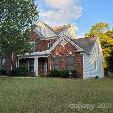 Rent this 4 bed loft on 10711 Knight Castle Dr in Charlotte, NC