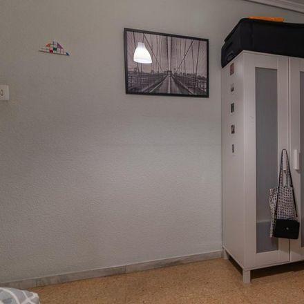 Rent this 4 bed apartment on Passeig de Russafa in 24, 46002 Valencia
