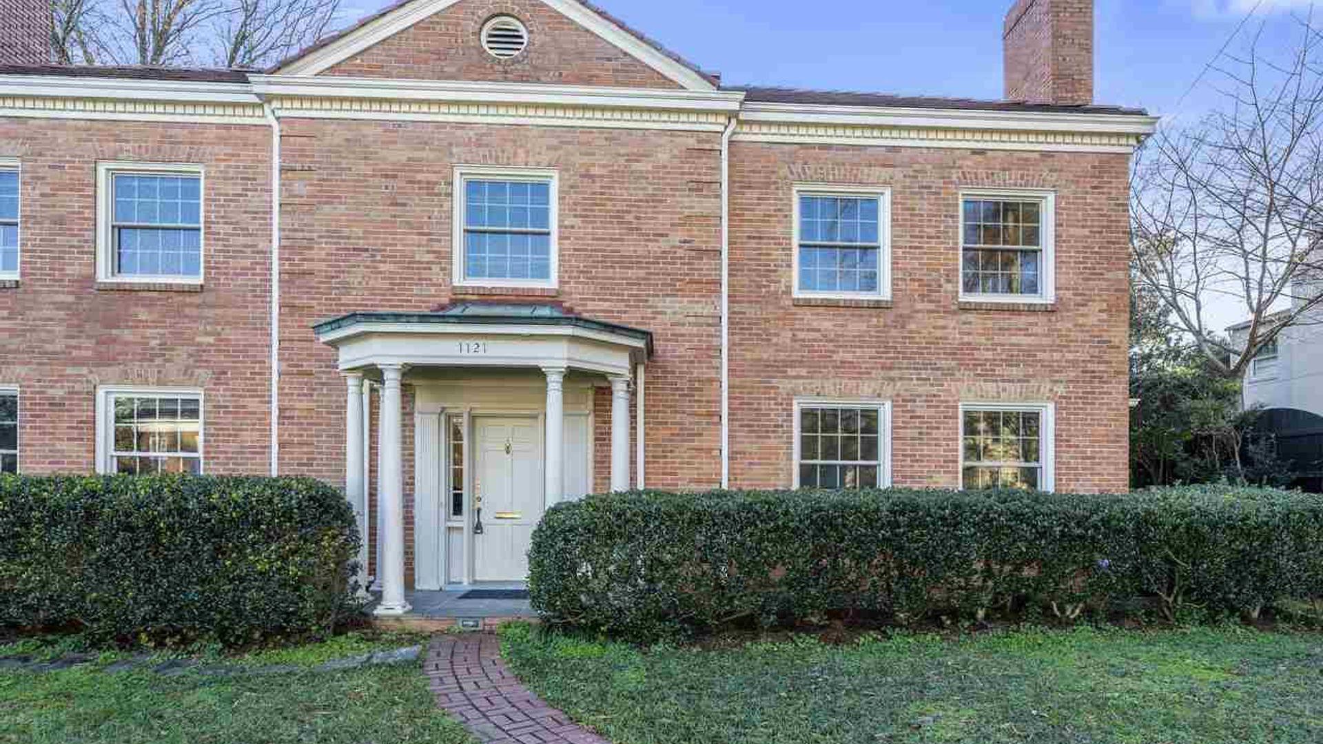 3-bed duplex at 1121 Harvey Street, Raleigh, NC 27608, USA ...