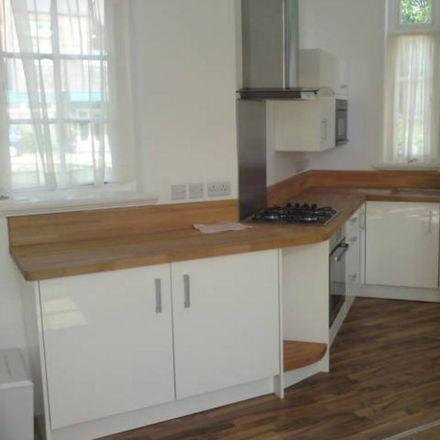 Rent this 1 bed apartment on St Vincent's Voluntary Catholic Academy in Queens Road, Hull HU5 2QR