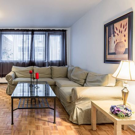 Rent this 2 bed apartment on 107 Rue Milton in Montreal, QC H2X 2H8