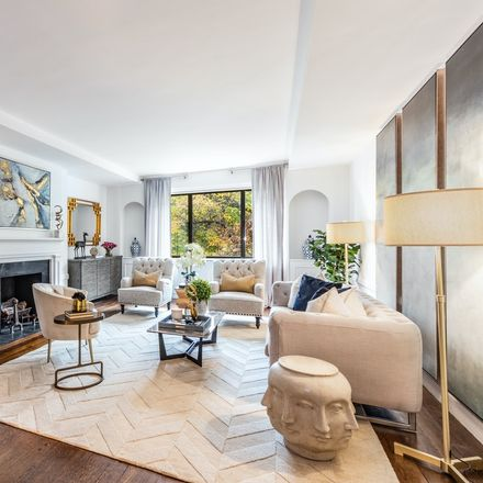 Rent this 3 bed condo on 5th Ave in New York, NY