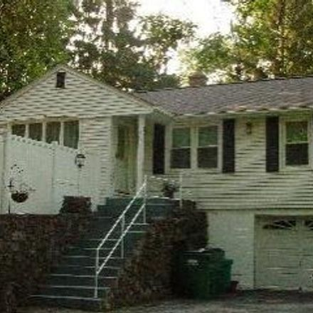 Rent this 3 bed house on Spackenkill Rd in Poughkeepsie, NY