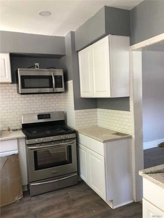 Rent this 3 bed house on 110-07 Springfield Boulevard in New York, NY 11429