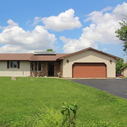 Rent this 3 bed house on E 275 North Rd in Heyworth, IL