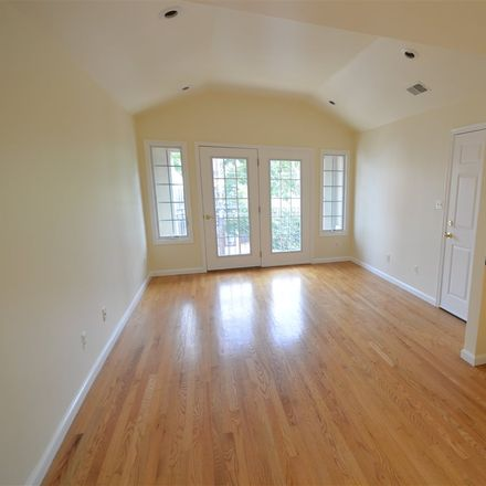 Rent this 3 bed apartment on Lincoln St in Jersey City, NJ