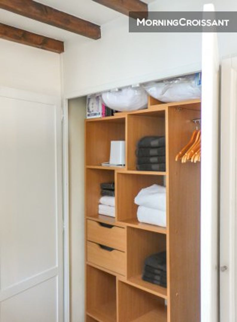 29 Rue De La Ferronnerie room in studio apt at 29 rue saint-denis, 75001 paris