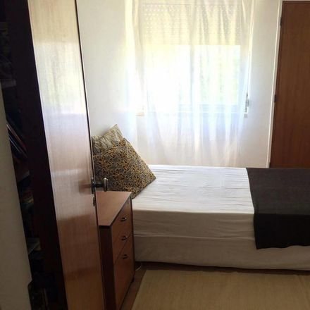 Rent this 1 bed room on IMT - Setúbal in Avenida Doutor António Rodrigues Manito 92, 2900-305 Setúbal