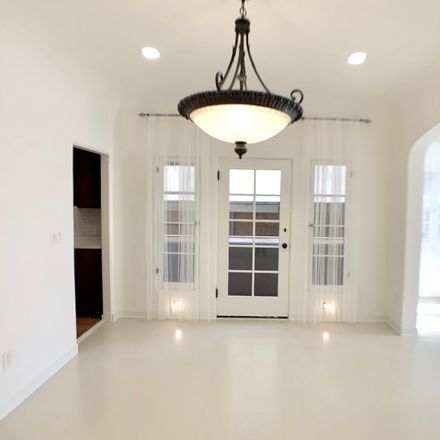 Rent this 3 bed apartment on Oakden Dr in Los Angeles, CA