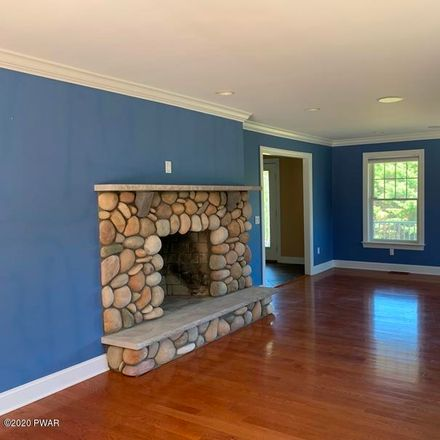 Rent this 5 bed house on Paupack Heights Dr in Paupack, PA