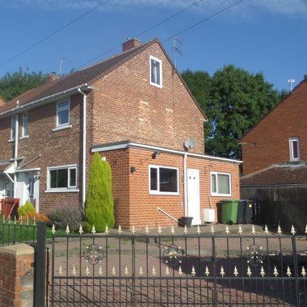 Rent this 3 bed house on Ox Close Primary School in Ox Close Crescent, Spennymoor DL16 6RU