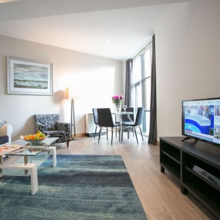 Rent this 3 bed apartment on O'Connell Bridge House in 26 D'Olier Street, Mansion House A ED