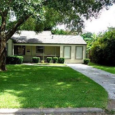 Rent this 3 bed apartment on 5521 Huisache Street in Bellaire, TX 77081