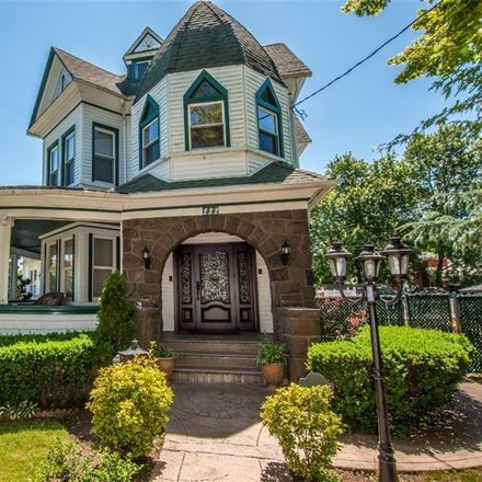 Rent this 5 bed house on 222 Guyon Avenue in New York, NY 10306
