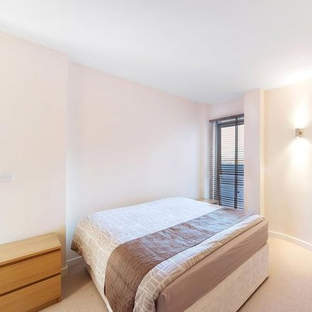 Rent this 3 bed apartment on 324 Kingsland Road in London E8 4DR, United Kingdom