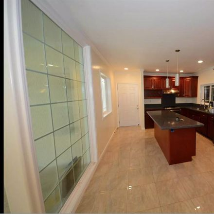 Rent this 1 bed room on S Hotel St + Alakea St in Alakea Street, Honolulu