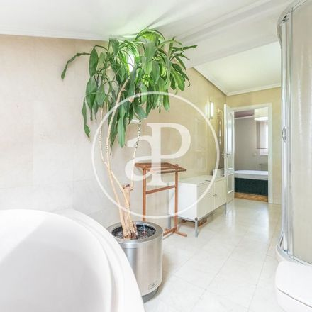 Rent this 3 bed apartment on Taberna Real in Plaza de Isabel II, 28001 Madrid
