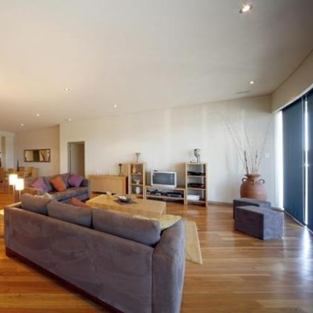 Rent this 3 bed apartment on 5/70 Elder Place