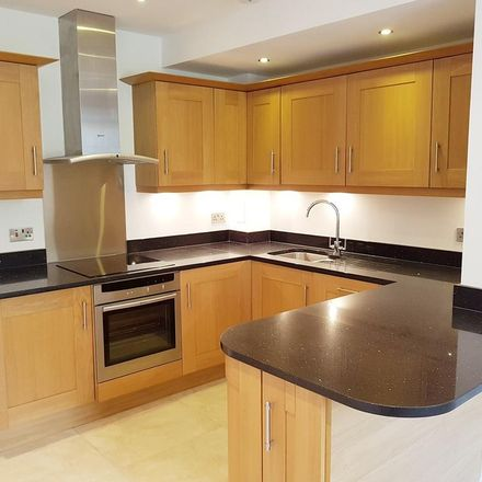 Rent this 2 bed apartment on Rosanne House in The Campus, Welwyn Hatfield AL8 6DE