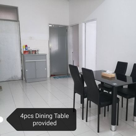 Rent this 3 bed apartment on Jalan Gaung Piring in Taman Cheng Permai, 76450 Kg. Bertam Malim