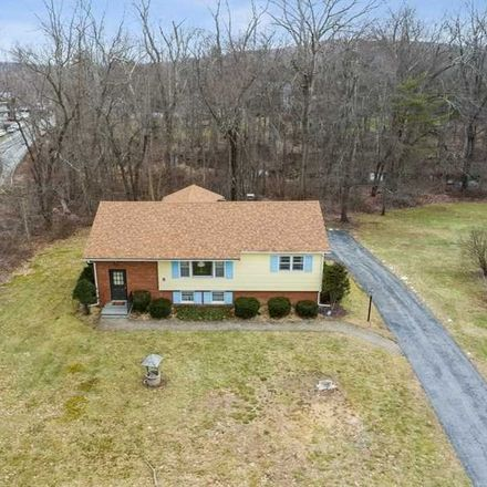 Rent this 3 bed house on 3 Whiteford Drive in Pleasant Valley, NY 12569