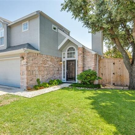 Rent this 3 bed house on S Bend Dr in Dallas, TX