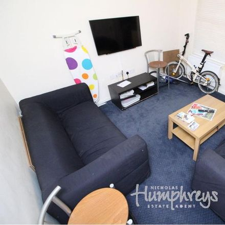 Rent this 1 bed room on 31 Amherst Road in Reading RG6 1NT, United Kingdom