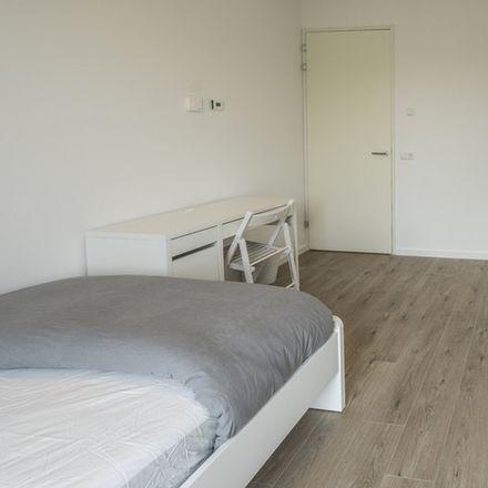 Rent this 3 bed room on Jan Duikerhof in 1112 XB Diemen, Países Bajos