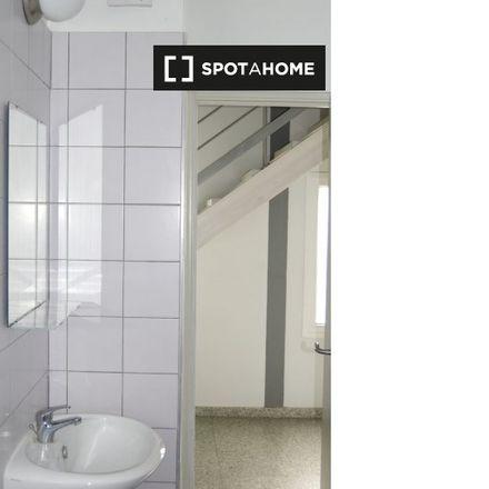 Rent this 3 bed room on Nicosia within the walls in Üzümlü Sokak, 1017