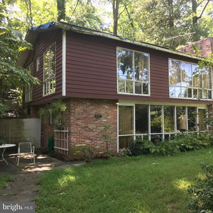 Rent this 3 bed house on Highview Avenue in Silver Spring, MD 20901