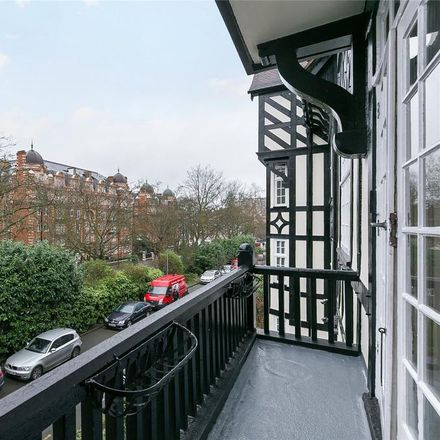 Rent this 3 bed apartment on Block 7 in Clifton Court, London NW8 8HT